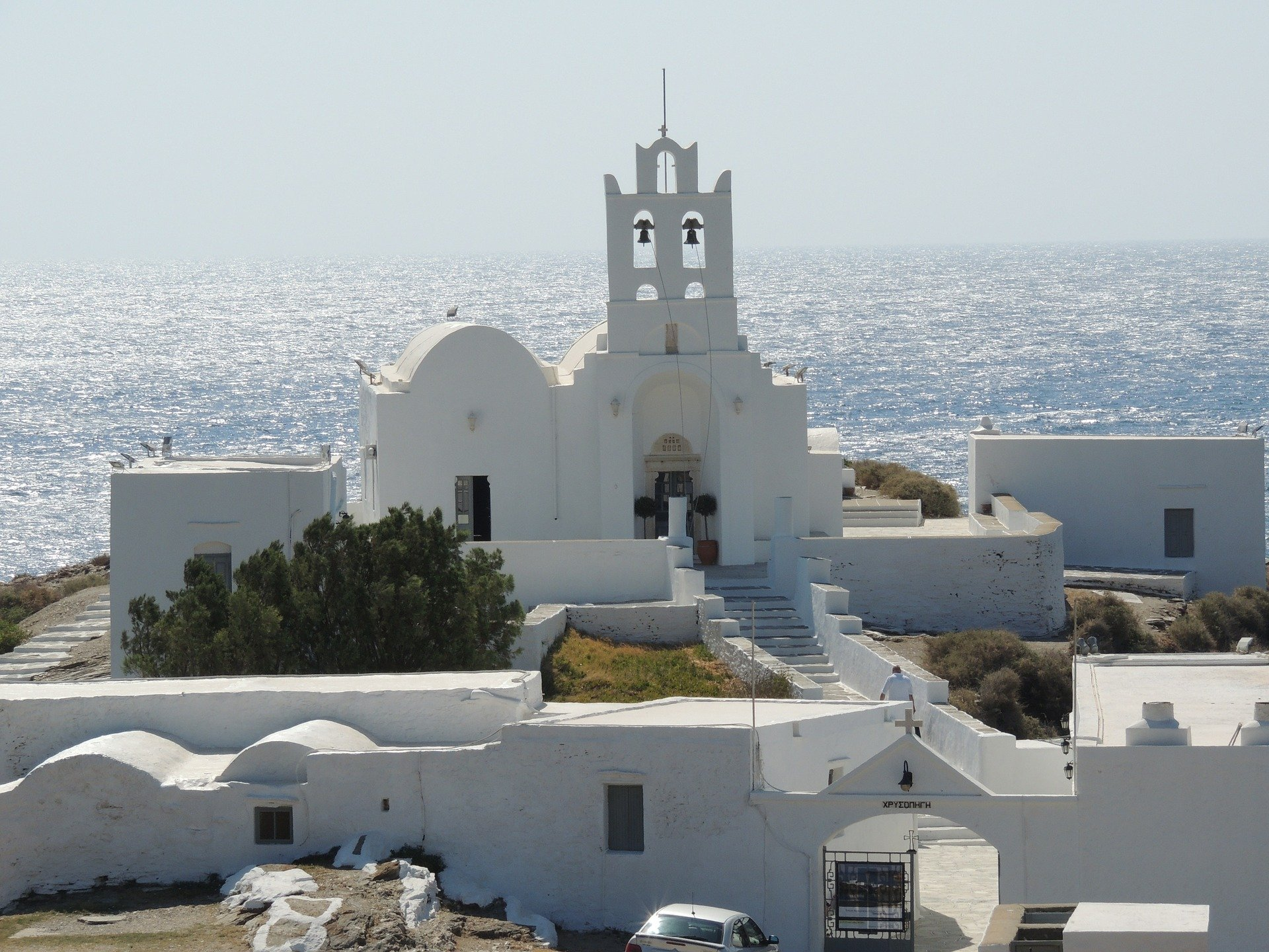 Sifnos Island - Sifnos is Tom Hanks' favorite - Chrysopigi chapel